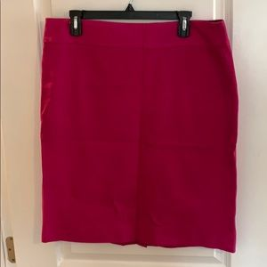 Gorgeous magenta pencil skirt Banana Republic 16T